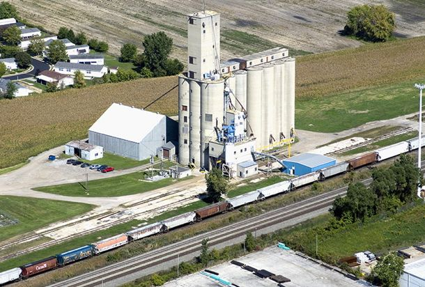 The Andersons Grain Group's Toledo-area elevator at Maumee, Ohio. (AndersonsGrain.com)