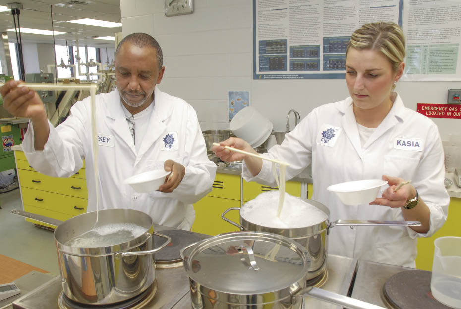 Cigi staff evaluate wheat flour for use in oriental noodles. (Cigi photo)